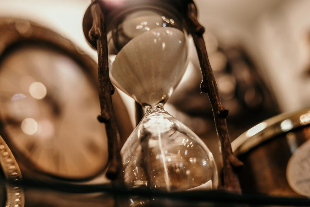 Hour Glass indicating a time for mourning